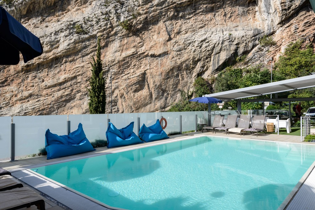 SeeLE-Garda-Hotel-swimming-pool